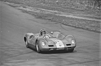 Chris Amon in the Elva-BMW at the Tourist Trophy race Oulton Park 1965