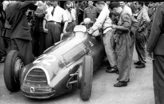 Farina at the wheel of his 1951 Alfa Romeo 159 at Berne