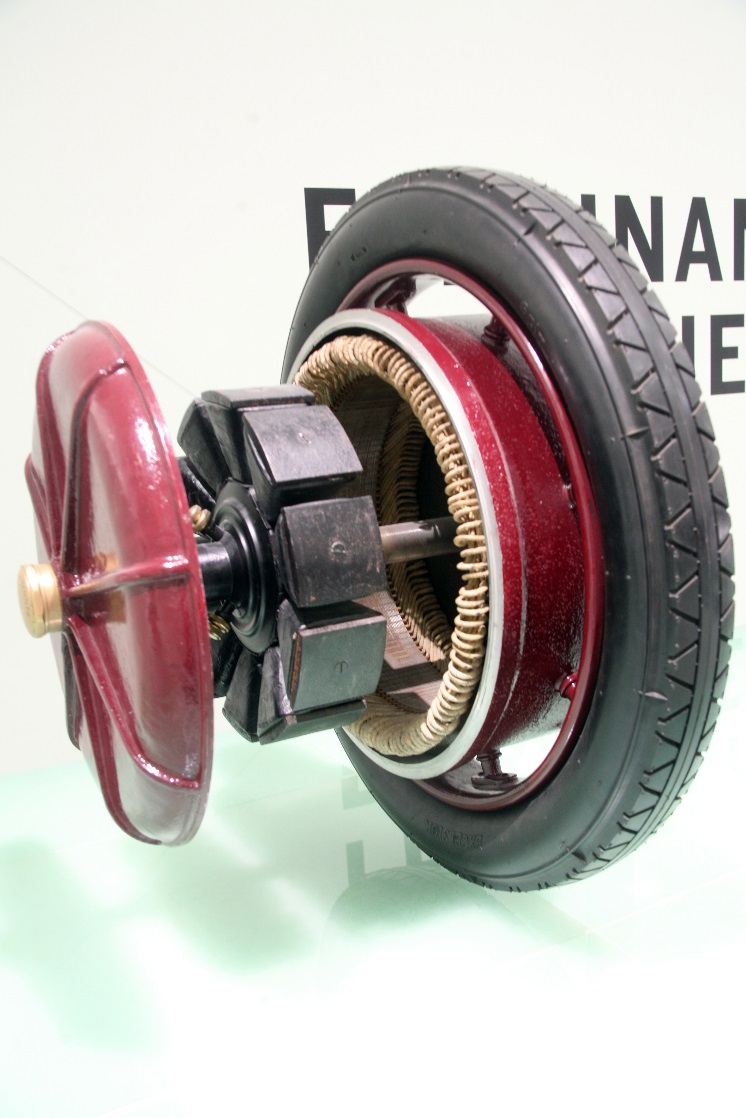 Ferdinand Porsche S Early Development An Electric Motor Mounted Inside The Actual Front Wheel Of Lohner
