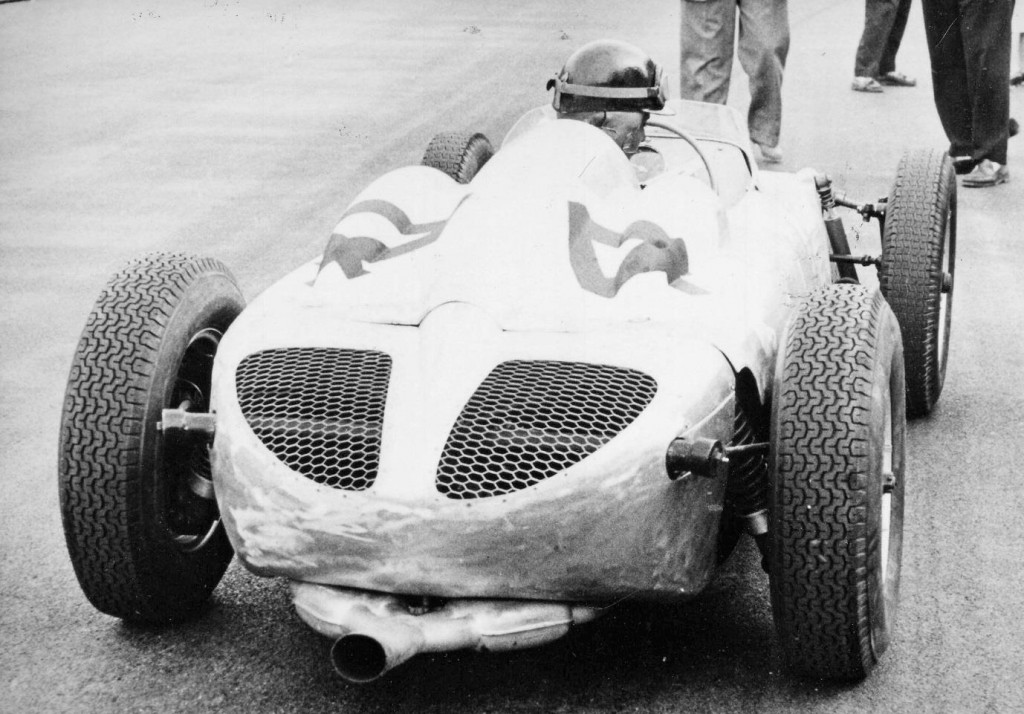 Sadly Maria-Teresa's last Grand Prix was Monaco in 1959 when Jean Behra entered her in the Behra-Porsche F2 car which, as can be seen here, was hurriedly finished and she did not qualify