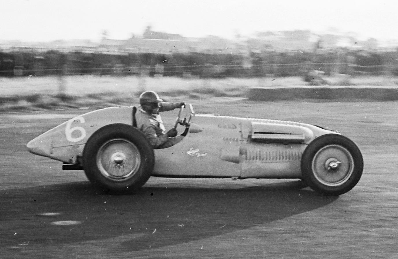 Yves-Giraud-Cabantous at the wheel of his Talbot-Lago, Charterhall 1952