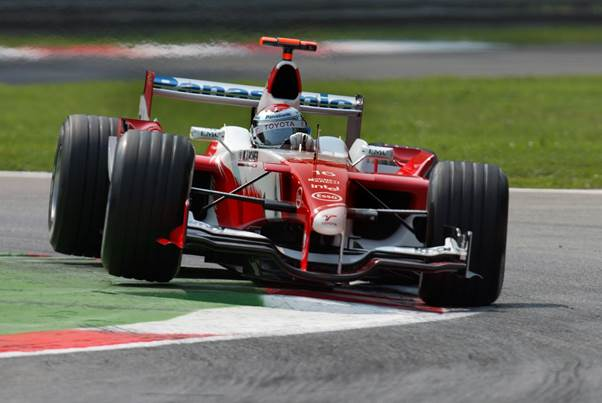 Jarno Trulli having fun with the Toyota Grand Prix car which gave him his best result. <em>9Photo Grand Prix Photo: Peter Nygaard)</em>